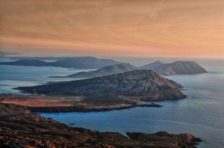 Ostrov Asinara v podvečerním světle (foto dr. Enzo Cossu)